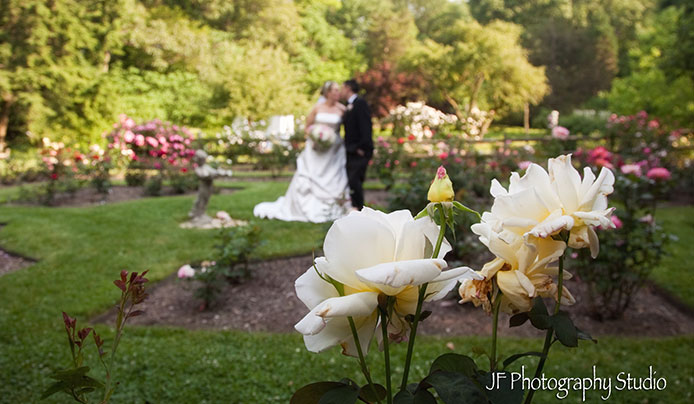 Lovely wedding at Reeves-Reed Arboretum